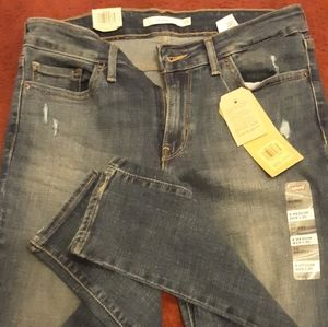 Ladies Levi jeans new with tags